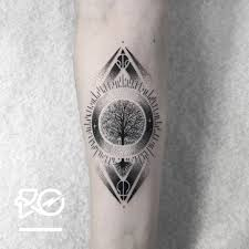 Tattoo Uploaded By Robert Pavez By Ro Robert Pavez Tiny Tree Of