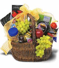 gourmet picnic basket send this basket filled with delicious fruits and foods and someone