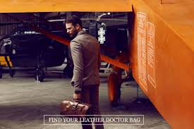 still widely used by doctors but also adopted by stylish men and women as a travel bag or a daily work bag that combines timeless elegance with modern