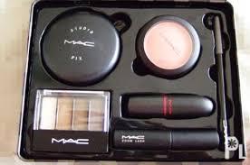 mac tartan tale makeup set singapore authentic
