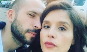 Born jessica lois ware on 15th october, 1984 in. Jessie Ware Welcomes Her First Child Hello