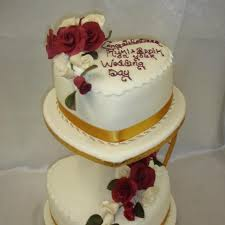 2 Tier Heart Shape Wedding Cake Celticcakescom
