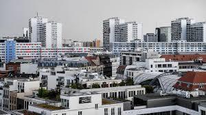 Berlin sei nicht berechtigt, einen sonderweg zu gehen. Mietendeckel Rechner Ist Online Berliner Konnen Selbst Prufen Ob Sie Zu Viel Miete Zahlen Rbb24