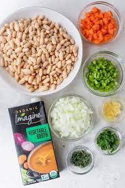 Great northern beans vs navy beans. Mediterranean White Bean Soup Vegan Feelgoodfoodie