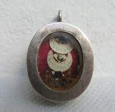 relics reliquary pendant vatican