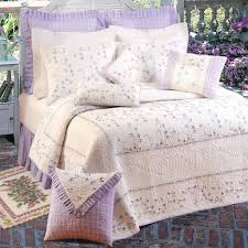 Lavender Quilts Color is a Very Pleasant Tone | HQ Home Decor Ideas & Image of: Lavender Quilts Flower Adamdwight.com