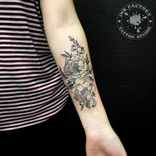 тату цветы фото на руке