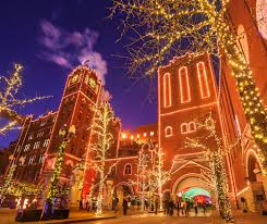 Kansas City Christmas Lights 2017 12 Ways To Celebrate Christmas Midwest Living