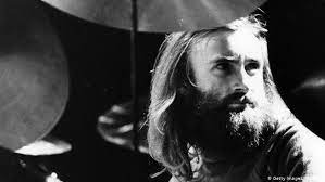 The frontman for genesis 2.0, with a soulful voice and pop smarts that made him one of the top superstars of the 1980s. Phil Collins Feiert 65 Geburtstag Musik Dw 30 01 2016