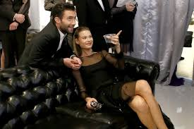 The maroon 5 singer and victoria's secret model have been married for. Adam Levine S Animals Video Gets A Collective Thumbs Down Los Angeles Times