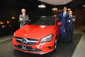 474 car dealers in delhi ncr. Soulsteer Com Silver Arrows In Chanakyapuri Is The 11th Outlet Of Mercedes Benz In Delhi Ncr