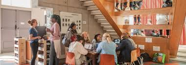 University Colleges Deans of the Netherlands Par  quia de S  Sebasti  o de Guimar  es Maastricht University Undergraduate Scholarships for International  Students