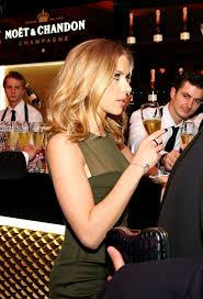 Scarlett Johansson Love the expression of both of these. Scarlett Johansson Love the expression of both of these bartenders looking at her