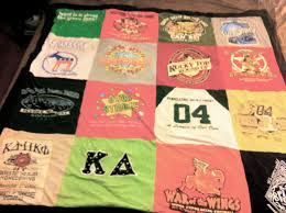 Decorella: How to Make a T-Shirt Quilt & How to Make a T-Shirt Quilt Adamdwight.com
