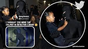 Kim Kardashian's 'Donda' all-black ...