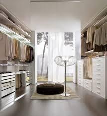 Minimal laccato bianco con cassetti lisci