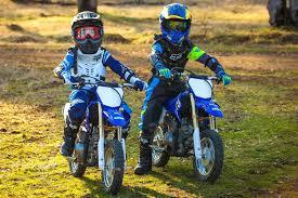 yamaha dirt bikes. boys first time on dirt bikes - yamaha ttr 50 (2016) | gabe and garrett youtube