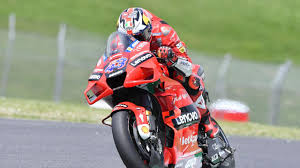 For each gp, riders take part in up to four free training sessions, in addition to the qualifying rounds. 5gjmjgfsivcjhm