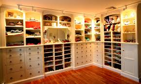 Small Walk In Closet Ideas For Women ...