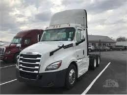 2018 volvo day cab. wonderful 2018 2018 freightliner cascadia 126 conventional  day cab walton ky  122985937 commercialtrucktrader in volvo day cab
