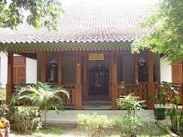 Nah, itulah rumah adat dki jakarta yaitu rumah kebaya yang merupakan rumah adat suku betawi. Kebaya House Traditional From Betawiajakarta Rumah Arsitektur Desain Rumah