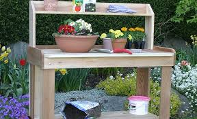 essential features of a potting bench olt