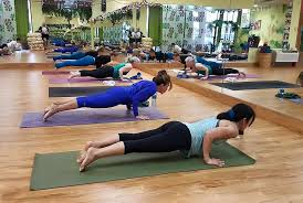 plano yoga with