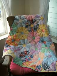 My version of Mary Mashuta's Check Wagon Wheel quilt. It's from ... & Becky Hick's version of Mary Mashuta's Check Wagon Wheel quilt with  gingham! It's from her book, Cotton Candy Quilts. Adamdwight.com