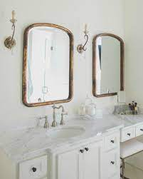 clic white bathroom decorating inspo