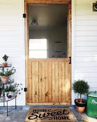 i love this screen door again this doesn t offer a tutorial but i was hoping you could use it as inspiration to add some simple charm to your home