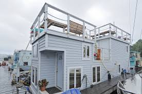Houseboats In Seattle Classic Lake Union Houseboat For Sale Seattle Afloat Seattle