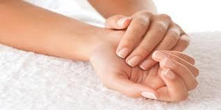 Záchrana Pro Poškozené Nehty Ibx Ošetření Na Nehty S Manikúrou