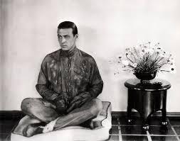 rudolph valentino the tragic idol of the jazz age