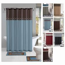 image of simple bathroom sets with shower curtain and rugs