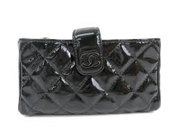 chanel chanel patent leather porch sleeve black a48227