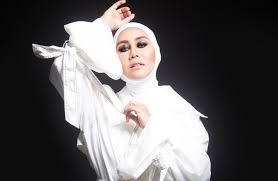 Malaysian singer Ella is rockin' it at 50, Entertainment News ...