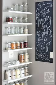 10 Inspiring Kitchens Organized with Glass Jars