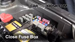 blown fuse check 2001 2005 kia rio 2004 kia rio 1 6l 4 cyl 6 replace cover secure the cover and test component