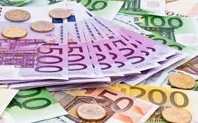 Viele Euro Geldscheine - Das Magazin www.mallorca-ok.de®