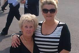 tish cliffe with mum Beryl Hilton, tribute - Nantwich News