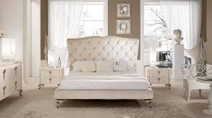 Camera da letto matrimoniale country: camera da letto a tinte
