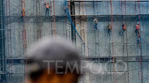 Pertama dari peringatan tersebut adalah perekonomian di masa kedepan akan semakin terintegrasi ditandai adanya masyarakat ekonomi asean (mea) yang akan berlangsung pada tahun 2015. Bi Ingatkan Tantangan Ekonomi Indonesia 2019 Dari Cina Dan As Bisnis Tempo Co