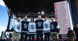 The kraken had to select at least 14 forwards, nine defensemen and three goalies. Zcwtkdfomwp03m