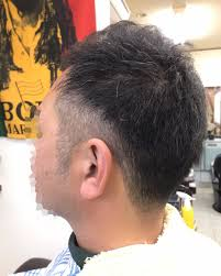 坊主が伸びかけのときはセルフカットメンズにおすすめ髪型はパーマ