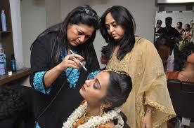 top 10 makeup artists in mumbai