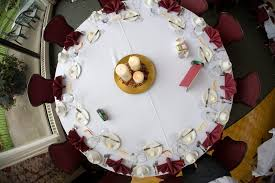 Round Table Decoration Round Table Centerpiece Decoration Ideas Cheap Lovely Makeovers