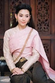 ทรงผมหญงไทยสมยโบราณ ละคร บพเพสนนวาส ตางกนอยางไร
