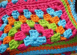 rug yarn for crochet. crochet rug using hoopla yarn - pattern on blog for n