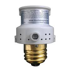 defiant 150 watt cfl led indoor outdoor automatic dusk to dawn light control