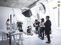 thank you roodebloemstudios for sharing these fantastic bts with us image 1 photography lightingportrait lightingstudio